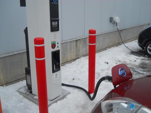 老司机开车:同样是电动汽车,怎么一到冬天续航就怂了?