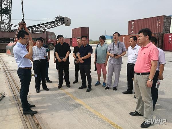 中稷铭洋新能源科技有限公司与贵港市覃塘区人民政府签订战略合作框高清图片