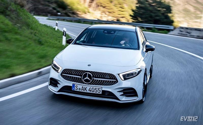 Mercedes-Benz-A-Class-2019-1280-27.jpg