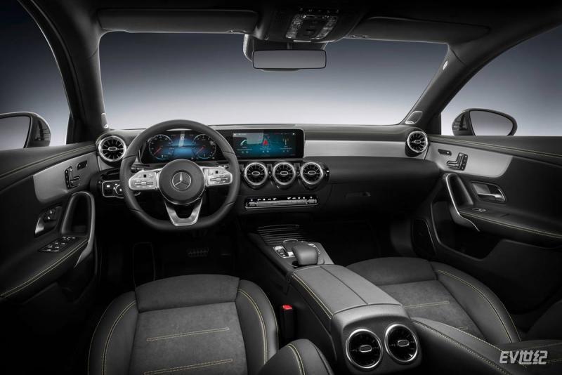 Mercedes-Benz-A-Class-2019-1280-68.jpg