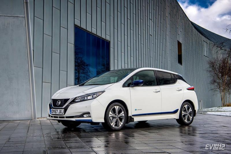 426224154_The-new-Nissan-LEAF.jpg