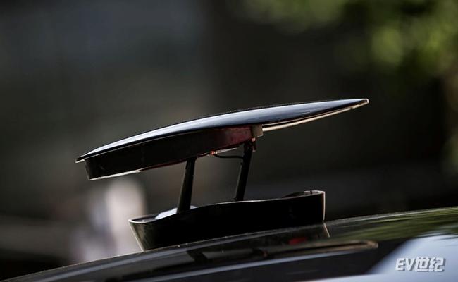 3、小鹏G3独创的360°车顶相机.jpg