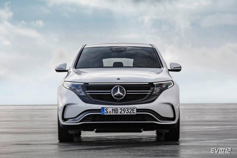 Mercedes-Benz-EQC-2020-1600-1c.jpg