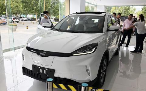 量产车正式到店 抢先静态体验威马EX5纯电动SUV