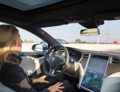 """特斯拉Autopilot""""拒绝交还""""司机控制权致交通事故"""