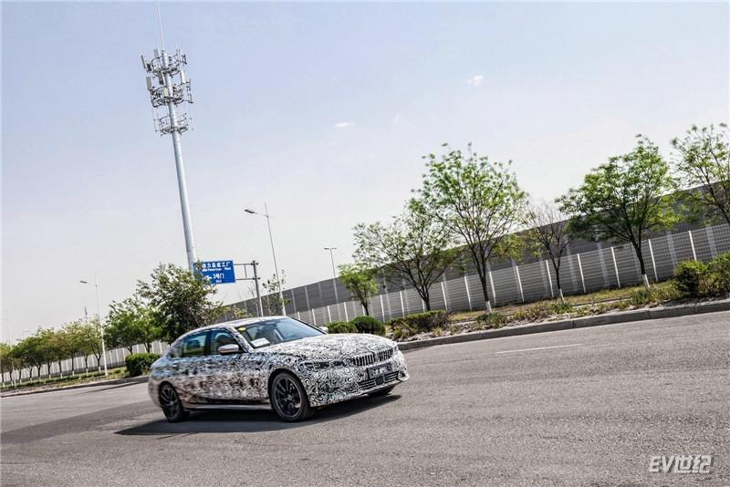 02.测试车辆数据5G传输_副本.jpg