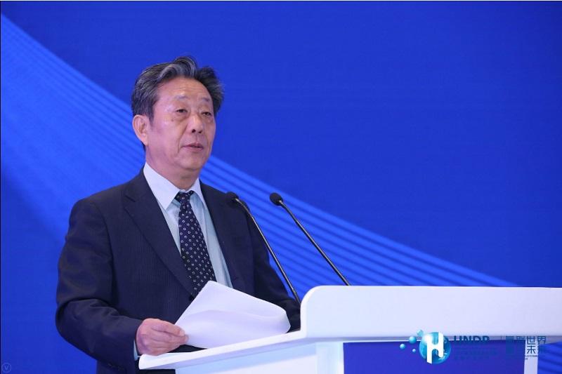 世界汽车组织第一副主席、中国汽车工业协会原常务副会长 董扬.jpg