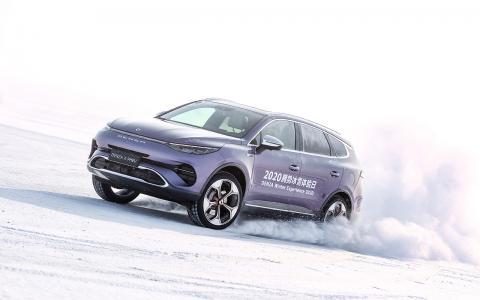 """有超多的""""奔驰""""在里面,冰雪试驾腾势X PHEV插混SUV"""
