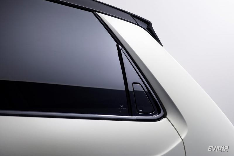 Honda-e_Concept-2019-1600-17.jpg