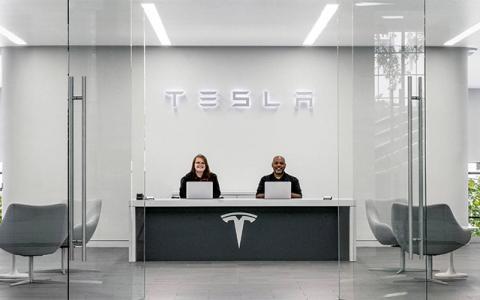 车企忙着为电动汽车硬件降本 特斯拉已经开始为用户用车降本