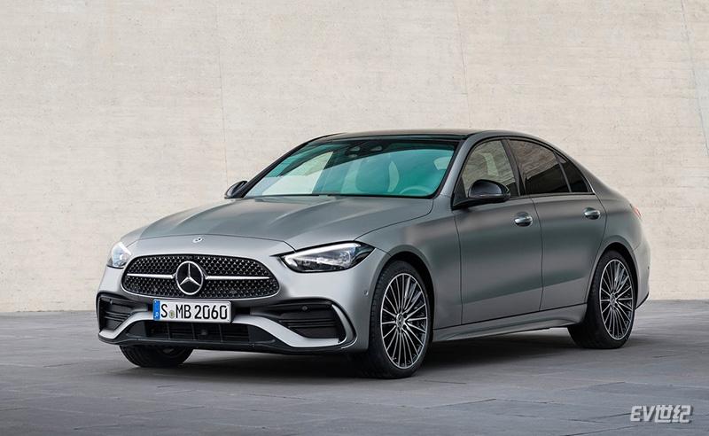 Mercedes-Benz-C-Class-2022-1024-01.jpg