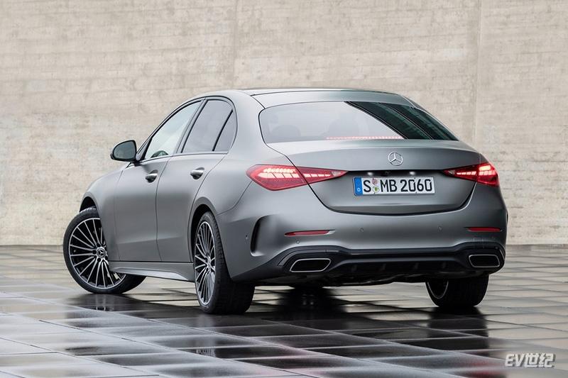 Mercedes-Benz-C-Class-2022-1024-14.jpg