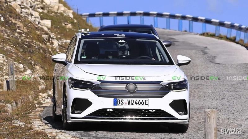 volkswagen-id-electric-sedan (3).jpg