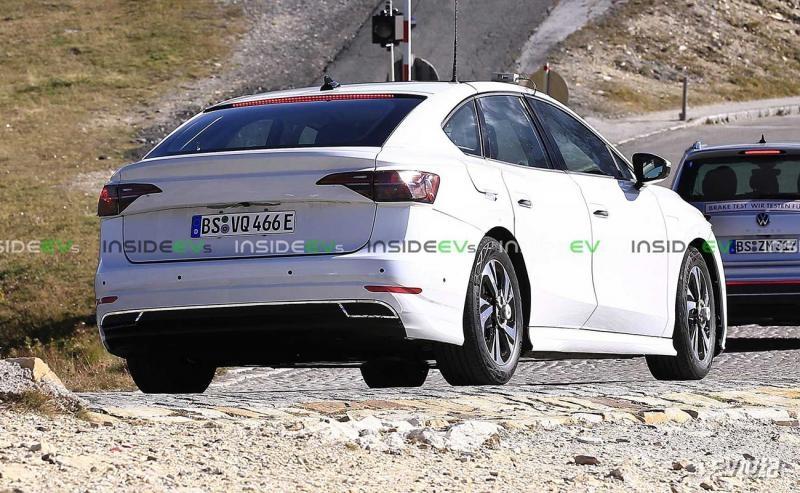 volkswagen-id-electric-sedan-(2).jpg